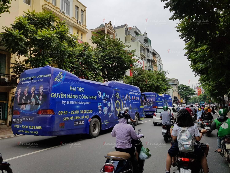quảng cáo luxury roadshow của samsung